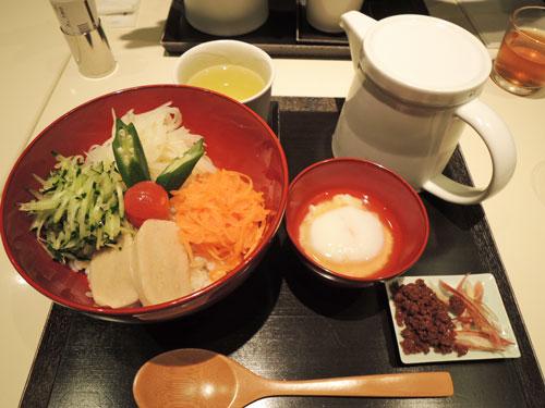 東京ミッドタウンのとらやの出汁かけごはん
