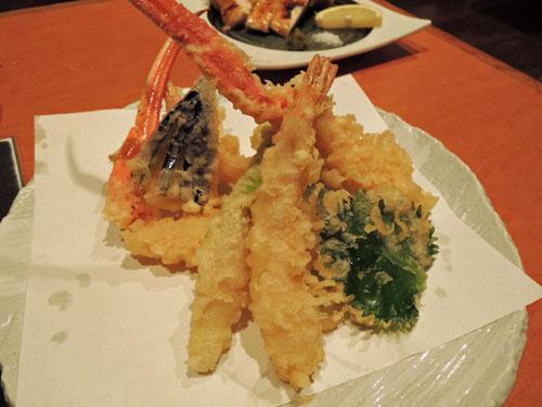 大黒屋の蟹と旬素材の天ぷら盛り合わせ