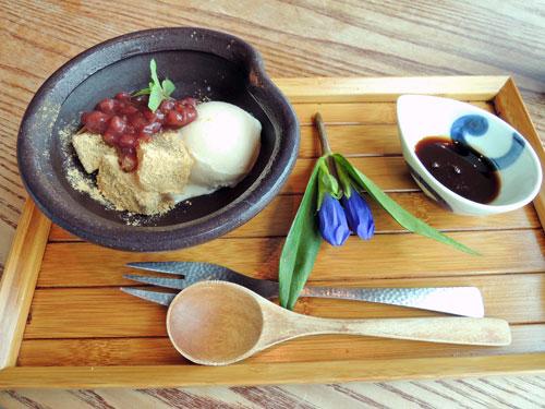 和食えんのわらび餅のクリームぜんざい