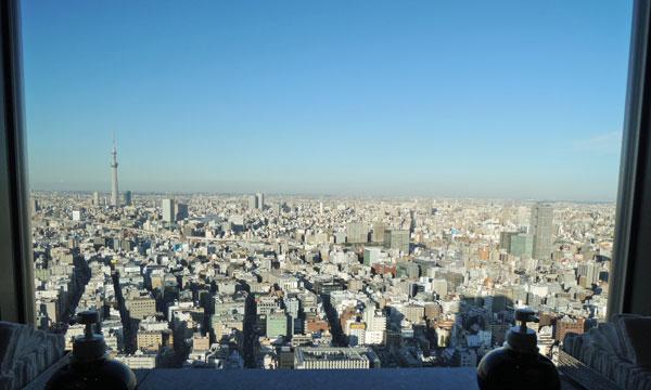 マンダリンオリエンタル東京のトイレから見たスカイツリー