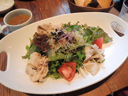 ロイヤルガーデンカフェ、豚しゃぶと発芽野菜のサラダ