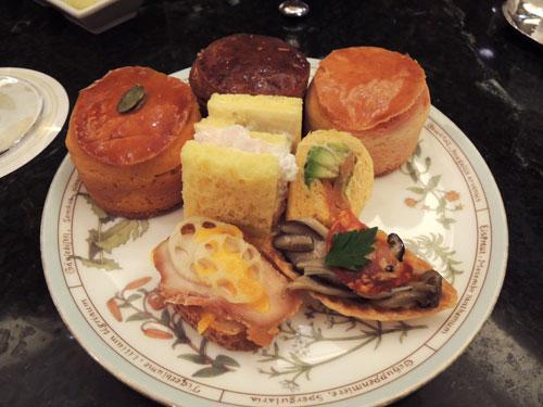 椿山荘のアフタヌーンティー、食事系